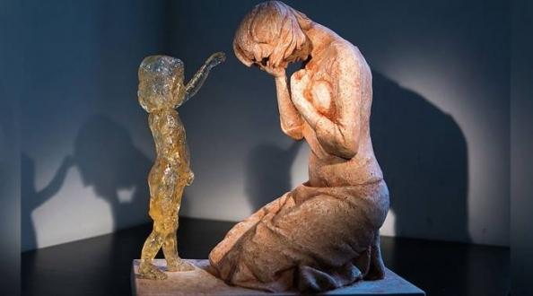 """Sufrimiento y muerte: Experta revela """"la verdad sobre el aborto"""" en nuevo libro"""