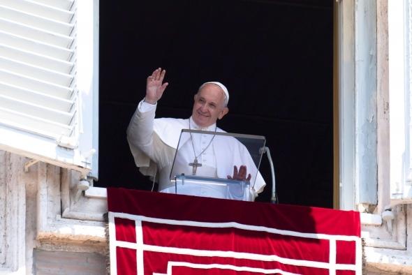 Papa Francisco explica en el Ángelus el mensaje actual de la parábola del buen samaritano