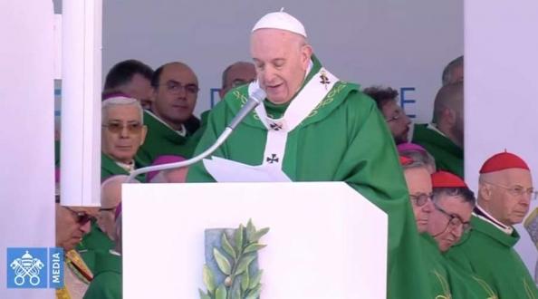 Homilía de la Misa del Papa Francisco en Bari con obispos del Mediterráneo