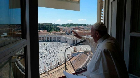 """Papa Francisco: """"El amor a Jesús exige un amor a los padres y a los hijos""""."""