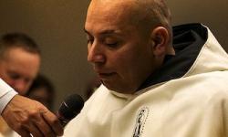 Era miembro de una banda, en un tiroteo murió su hermano y él quedó parapléjico: hoy es religioso