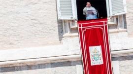 La oración cristiana tiene una dimensión universal, dice el Papa Francisco
